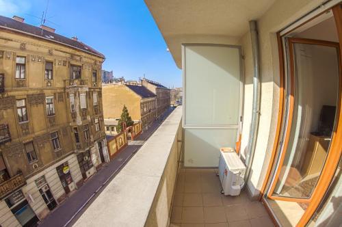 DnD Apartments Keleti Railway Station photo 56