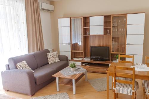DnD Apartments Keleti Railway Station photo 64