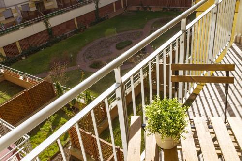 DnD Apartments Keleti Railway Station photo 79