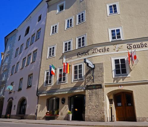 Altstadthotel Weisse Taube, Pension in Salzburg