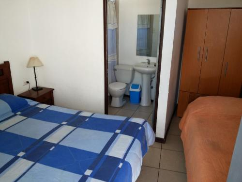 Habitació Triple amb Bany Privat (Triple Room with Private Bathroom)