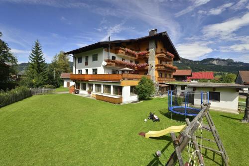 Haus Kristall - Apartment - Tannheim