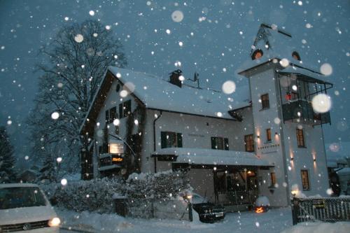 Haus bei der Linden Ferienwohnungen photo 102