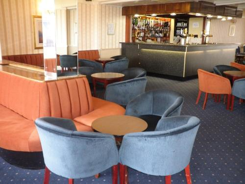 Headway Hotel picture 1 of 18
