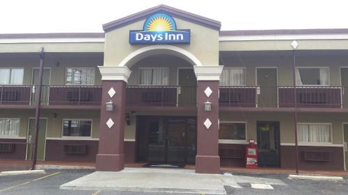 Days Inn By Wyndham Hot Springs - Hot Springs, AR 71901