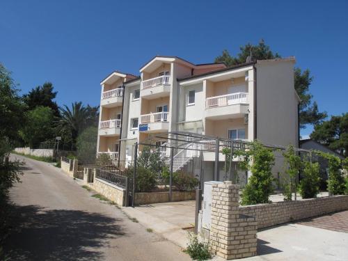 . Apartments Mia