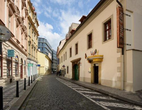 Ostrovni 32, Prague, 11000, Czech Republic.