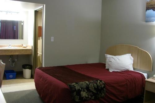 Greenhead Motel & Restaurant - Provost, AB T0B 3S0