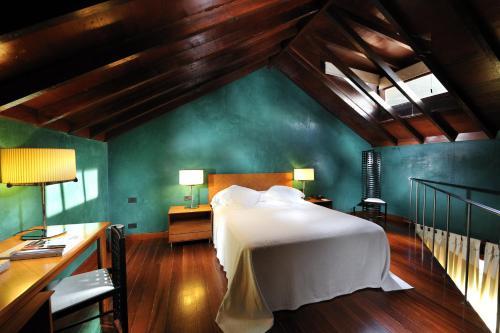 Triple Room Hotel San Roque 17