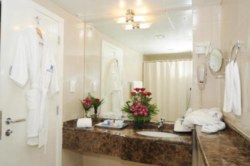 Emirates Concorde Hotel & Apartments Люкс с 1 спальней