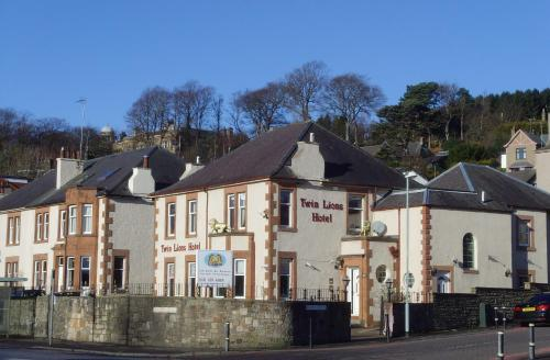 Twin Lions Hotel (with B&B)