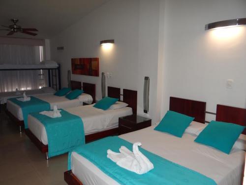 Atlantis Plaza Hotel - image 8