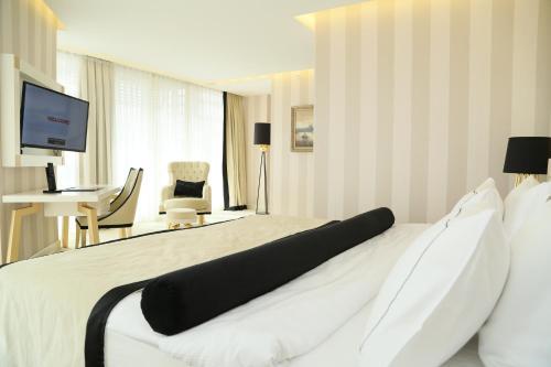 Ramada Hotel & Suites Istanbul Sisli Семейный люкс - Для некурящих