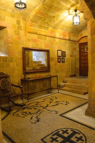 תמונות לחדר Medieval Villa