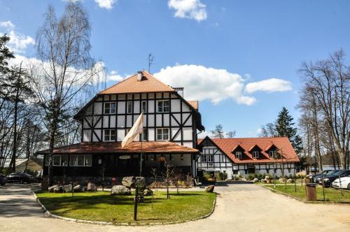. Jabłoń Lake Resort