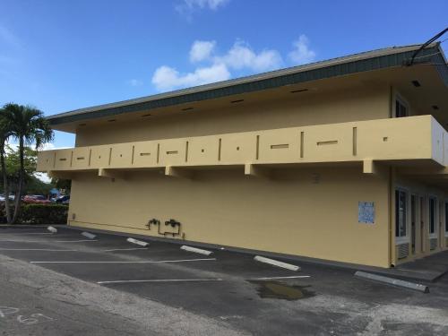 Curtis Inn & Suites - Hollywood, FL 33020