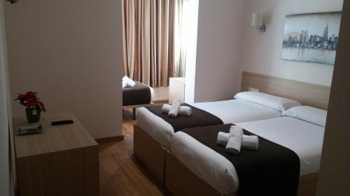 Hotel Hostal Barcelona Travel