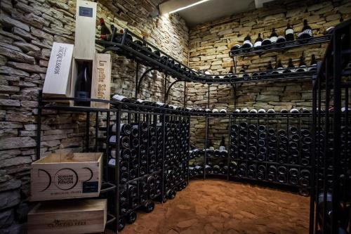 152 Rue Claude Nicolas Ledoux, 30900 Nîmes, France.
