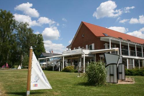 . Ferienzentrum Yachthafen Rechlin