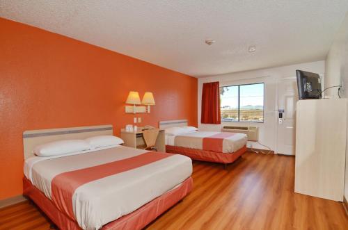 Motel 6 Palm Springs North - Desert Hot Springs, CA 92258
