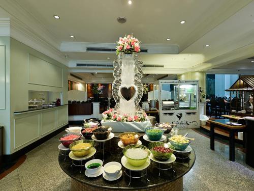 Hotel Windsor Suites & Convention Sukhumvit 20 photo 16