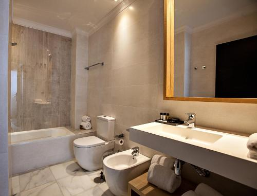 Doppel- oder Zweibettzimmer Hotel Barrameda 8