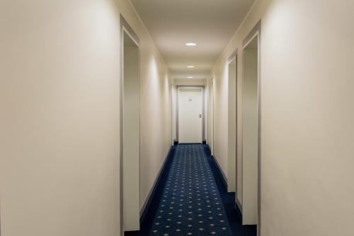 Hotel Royal photo 24