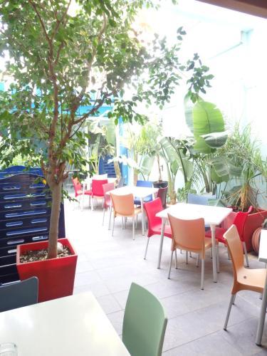 Parrots Sitges Hotel photo 19