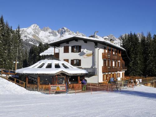 Hotel Pensione Dolomiti - Falcade