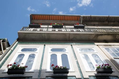 Rua do Almada, 580-584, Rua do Almada, 4050-039, Porto, Portugal.