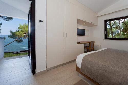 Double Room with Terrace - Sea Side