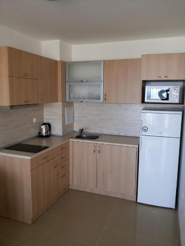 Apartament cu 1 dormitor 102 (One-Bedroom Apartment 102)