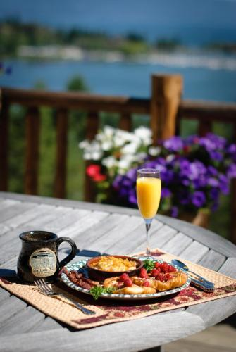 Outlook Inn Bed And Breakfast - Somers, MT 59932