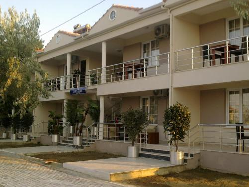 Saraylar Abroz Apart Hotel tek gece fiyat
