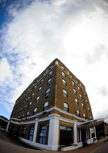 Landmark Inn - Hotel - Marquette Mountain