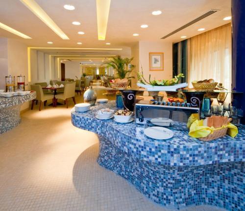 City Seasons Al Hamra Hotel photo 28