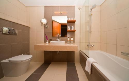 City Seasons Al Hamra Hotel photo 7