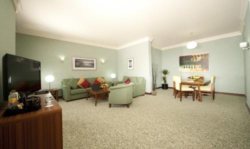 City Seasons Al Hamra Hotel photo 30