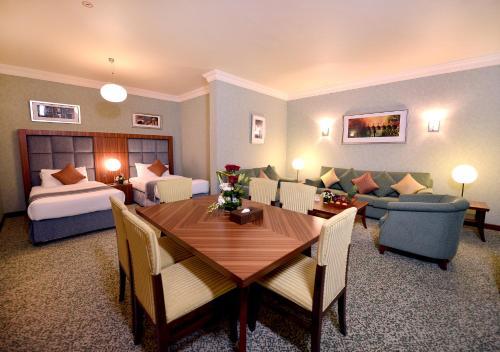 City Seasons Al Hamra Hotel photo 10
