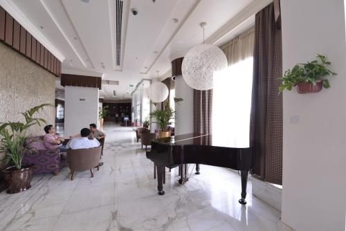 City Seasons Al Hamra Hotel photo 12