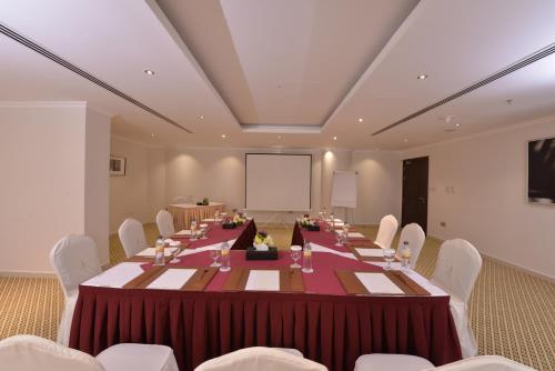 City Seasons Al Hamra Hotel photo 13