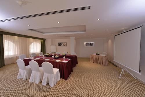 City Seasons Al Hamra Hotel photo 14