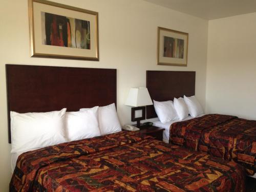 America Inn & Suites - Ridgecrest, CA 93555