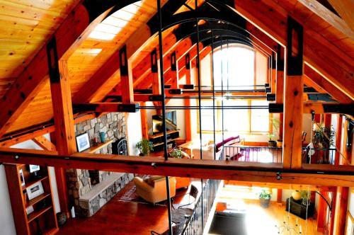 Brush Mountain Lodge