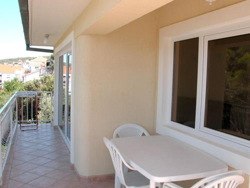 Apartamento com 2 Quartos e Vista Mar (Two-Bedroom Apartment with Sea View)