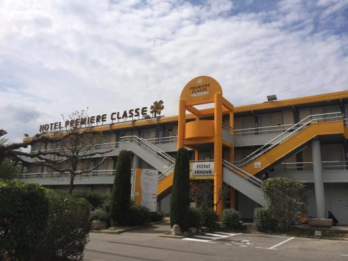 Premiere Classe Marseille La Valentine - Hôtel - Marseille