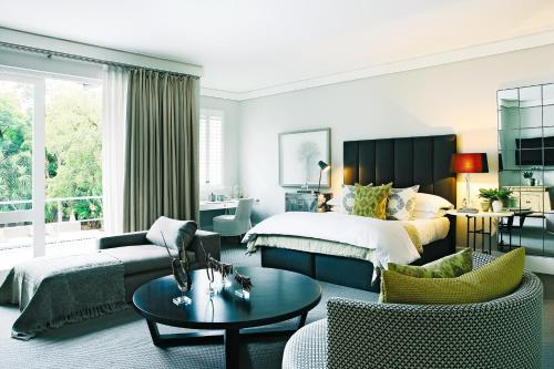 90 Pretoria Avenue, Atholl, Sandton, 2196 Johannesburg, South Africa.
