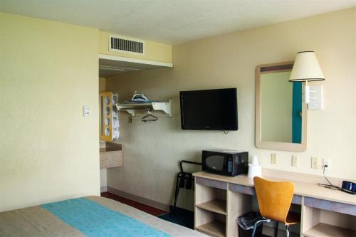 Motel 6 Miles City - Miles City, MT 59301
