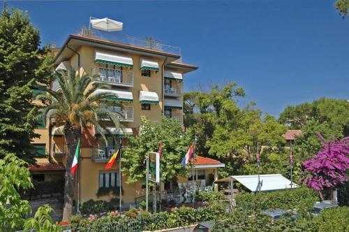 Hotel Ristorante La Terrazza (Lido Di Camaiore) da 130€ - Volagratis
