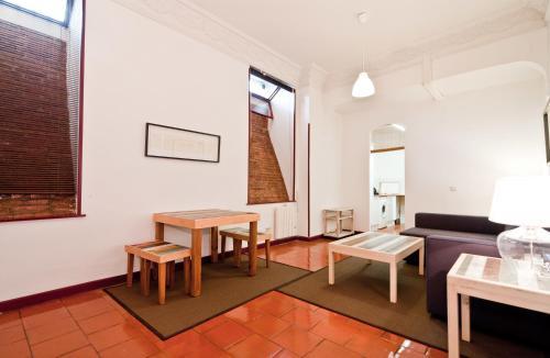 Apartamentos Madrid Alfonso XII 22 - image 3